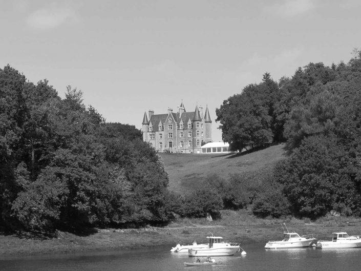 Château de Kerambleiz, château à Quimper, sur les bords de l'Odet dans le Finistère